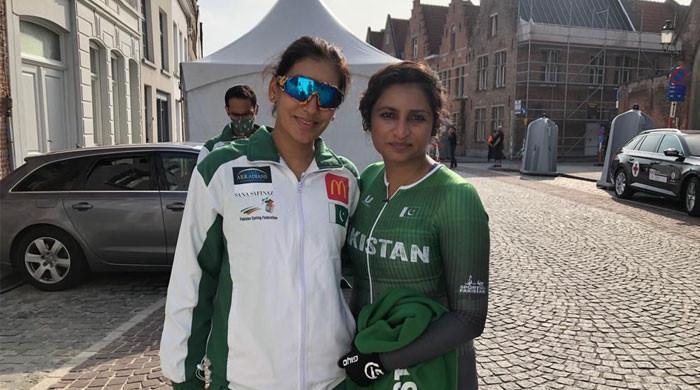 Pakistani cyclists Kanza Malik, Asma Jan finish last in World Road Cycling Championship