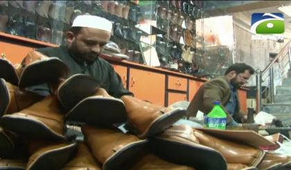 Shop owners prepare traditional Peshawari chappal for PSL players