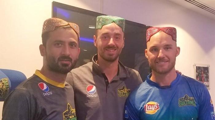 Laurie Evans, James Vince in 'Saeen' caps after commendable performance against Qalandars