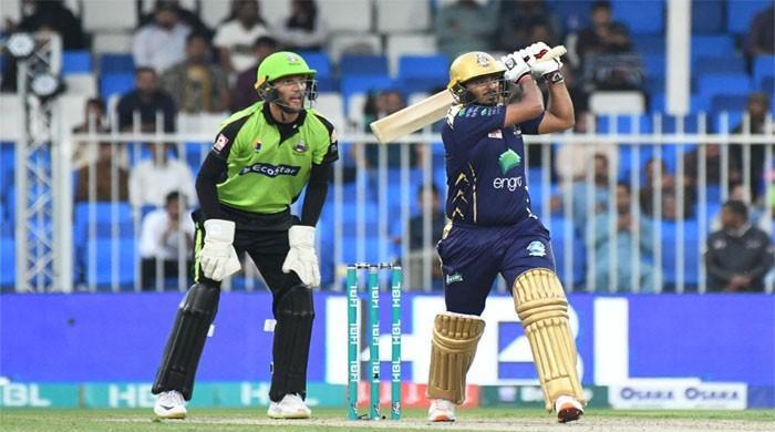 Quetta Gladiators continue winning streak, beat Lahore Qalandars in nail-biting thriller