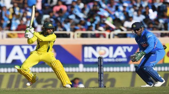 Khawaja, bowlers help Australia outplay India in 3rd ODI