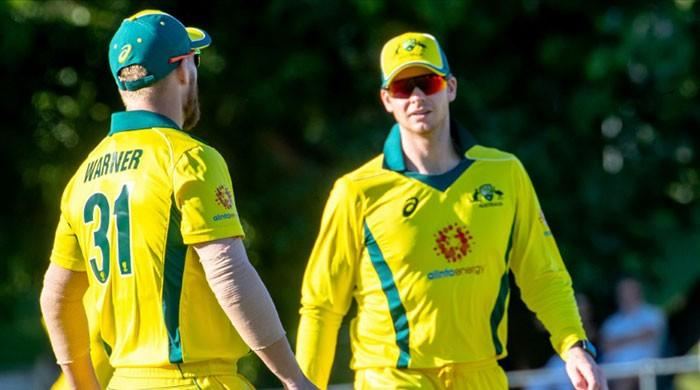 Smith makes fifty, Khawaja injured in World Cup warm-up