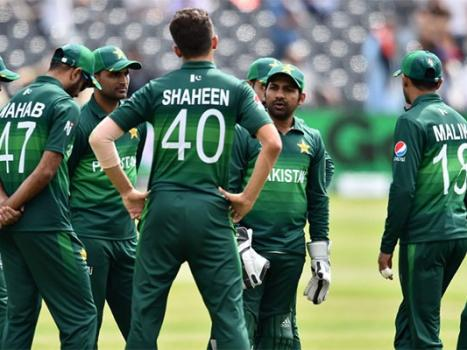 Pakistan players allowed to stay with families after India match