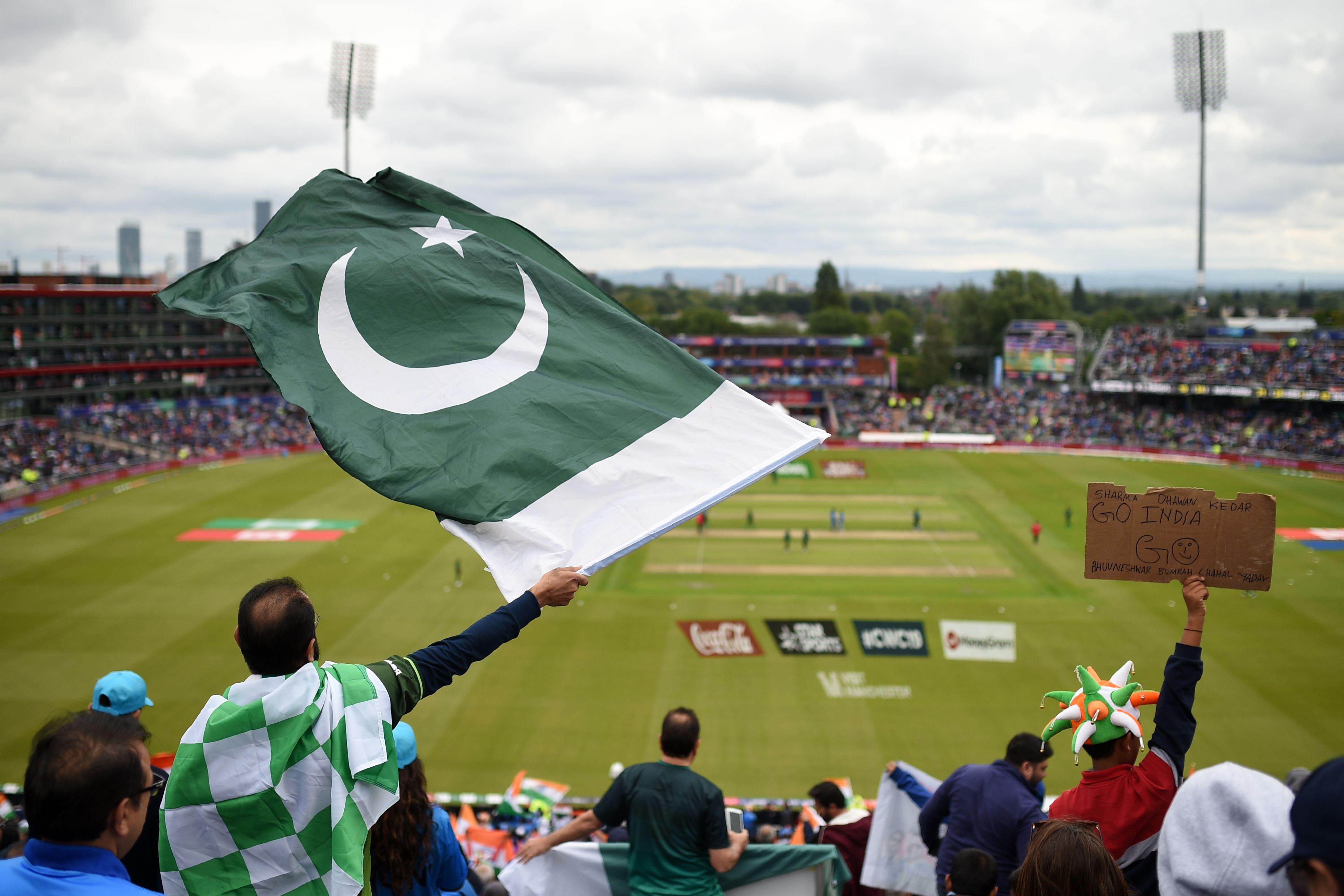 In Pictures: Pakistan vs India frenzy | - geosuper tv