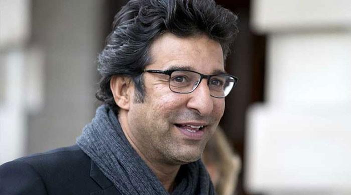 Wasim Akram slams 'misbehaving' fan for harassing Sarfaraz Ahmed