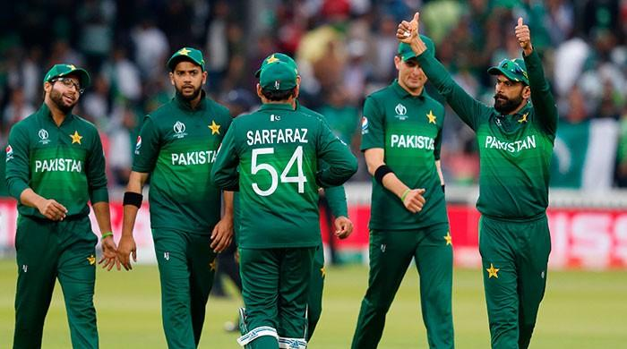 Pakistan stay alive, knock SA out of World Cup