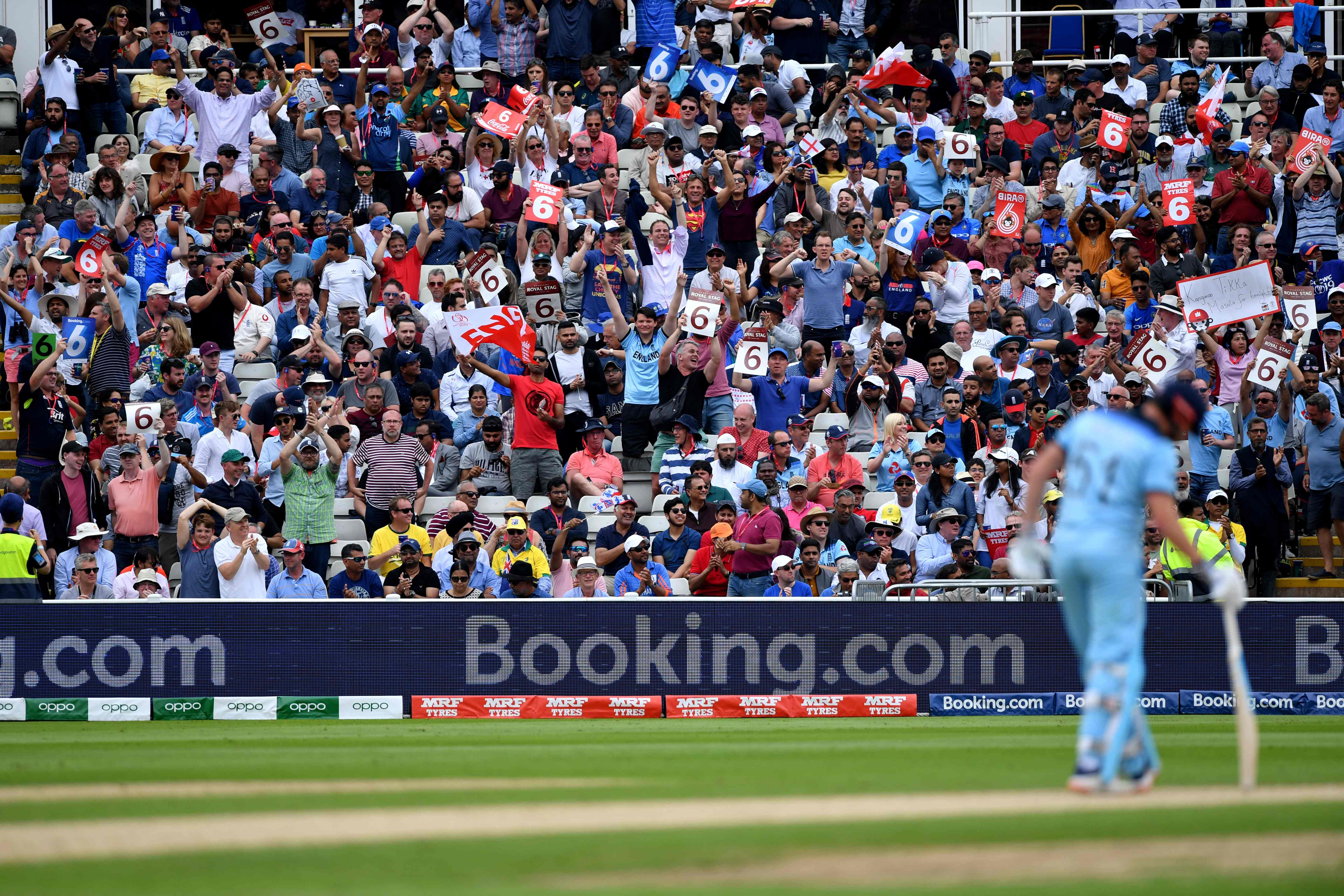 England supporters cheer during the 2019 Cricket World Cup second semi-final. Photo: AFP