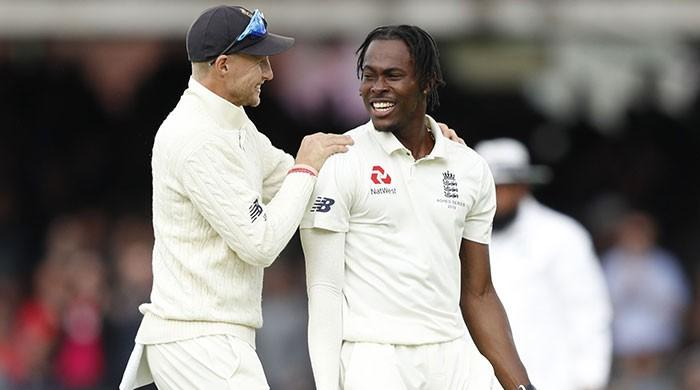 Root glad to see Archer ´shake up things´ on Test debut