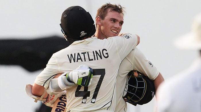 Latham ton drives New Zealand´s reply against Sri Lanka