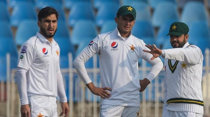 With no fans, Pakistan players need to inspire each other: Mushtaq Ahmed
