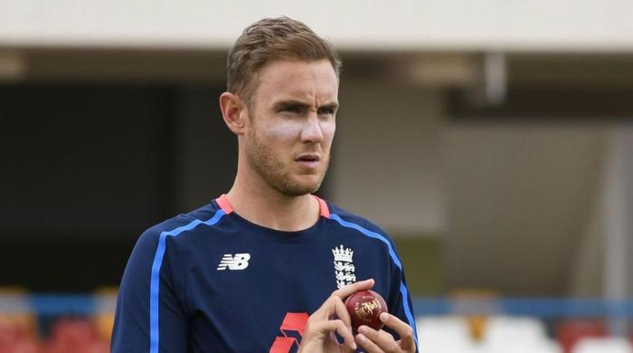 Stuart Broad fined by dad Chris for outburst against Yasir Shah