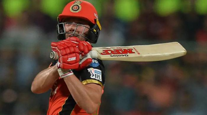 De Villiers blitzkrieg helps Royal Challengers Bangalore see off Sunrisers Hyderabad