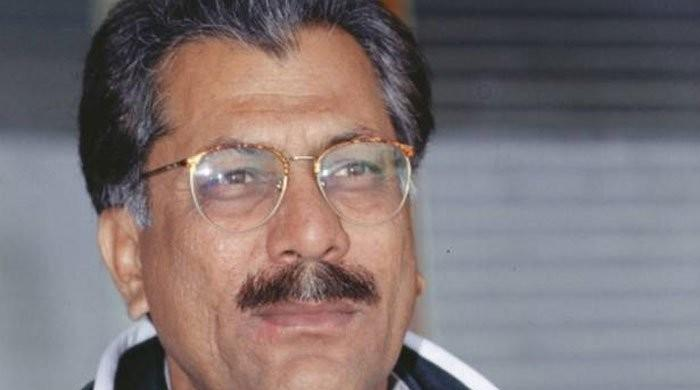 Give PM Imran Khan's cricket system a chance: Zaheer Abbas