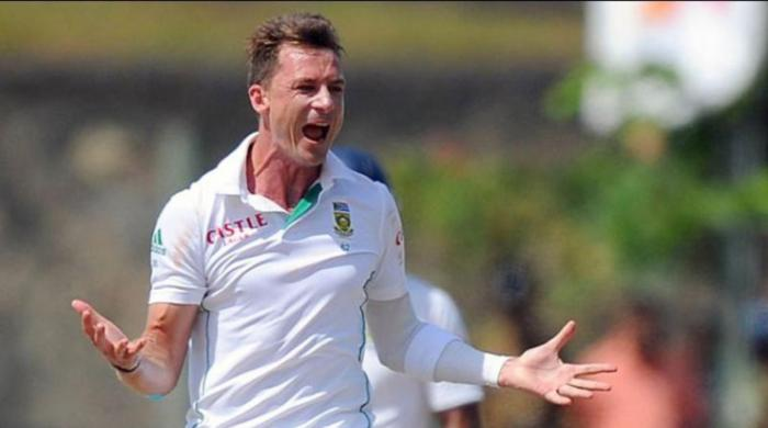 Dale Steyn shows off his 'fifers' collection