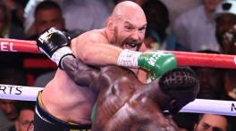 Fury retains WBC crown in heavyweight classic, knocks out Wilder