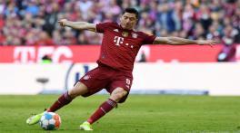 Lewandowski stars as Bayern sweeps Hoffenheim 4-0