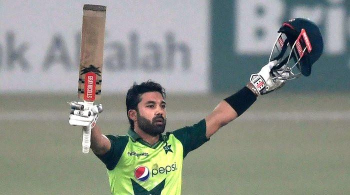 Pakistan vs India T20: Twitter lauds Mohammad Rizwan for scintillating catch in electrifying match