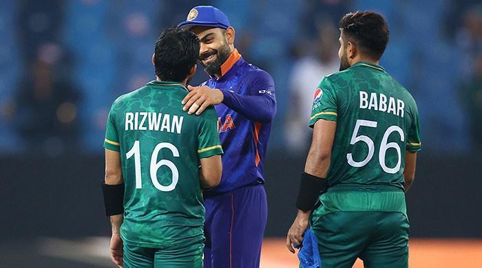 Pak vs India: Twitter trolls Indians in meme-war as Pakistan creates history