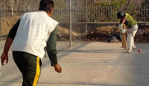 halat sae tang club cricket kay coach nay phalo ka thela laga lia