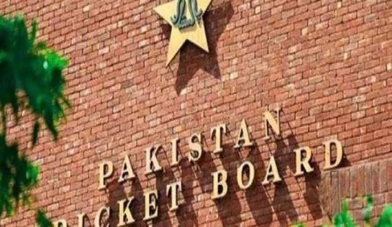 cricket Team management k 3 arakeen pakistan me mojoud nahi