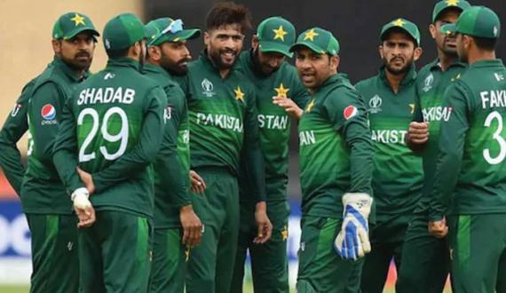 corona positive pakistani cricketers ki team kay sath england rawangi ka imkan