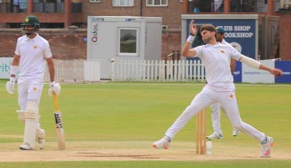 Qaumi cricketers ki hadaf ke lihaaz se batting aur bowling ki training