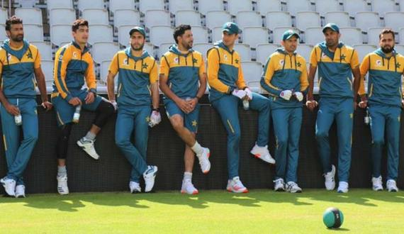 qaumi team ka old trafford mein pehla practice session