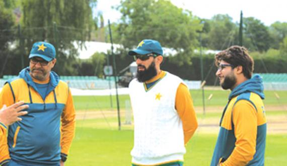 pakistan nay bohat achi cricket kheli shikast par mayusi hui zaror hui