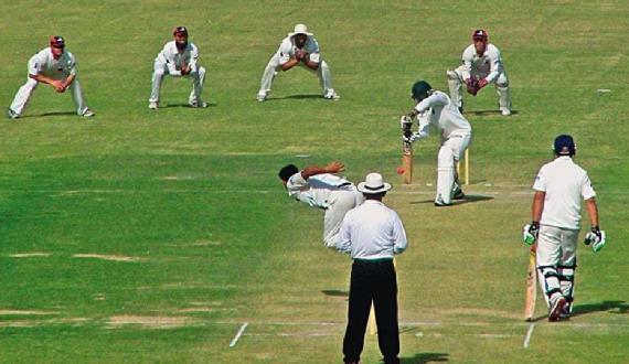 domestic cricket season kay liyay players ko covid test ki hidayat