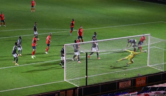 EFL Cup Manchester United ne Luton Town ko shikast dedi