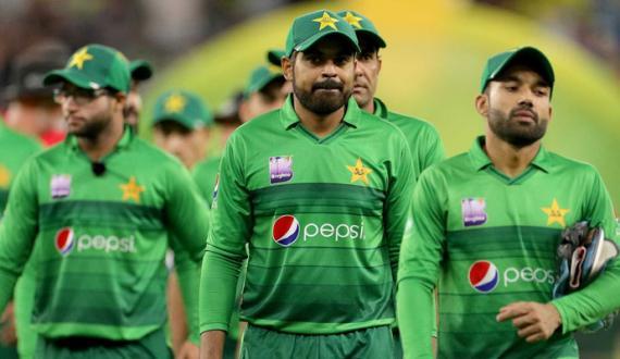 south africa kay khilaf pakistan kay T20 squad ka ailan pehle test kay doran mutawaqy