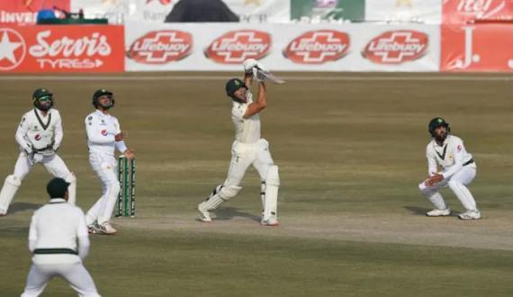 Pindi test main hadaf ka taaqub junoobi afriki batsman dat gaye