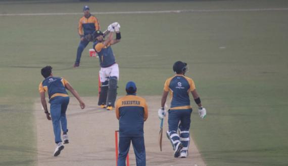 qoumi T20 squad ki national high performance centre main practice