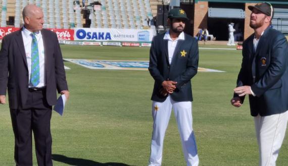 pakistan ka zimbabwe kay khilaf toss jeet kar batting ka faisla