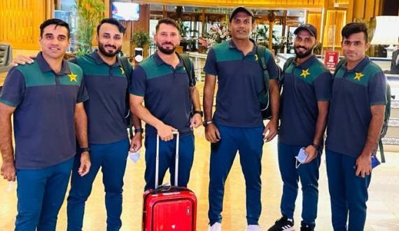 pakistani test squad kay khilariyo ki westindies rawangi