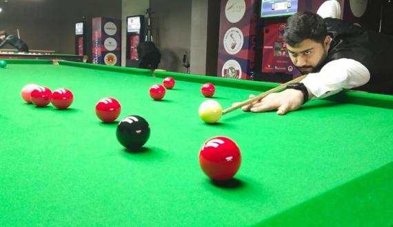 pakistan kay Haris Tahir ki aisan snooker champion ship kay quarter final tak rasai